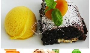 Brownie Noir Intense ~ Pistaches, Abricots Secs et Chocolat Blanc