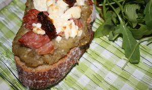 Bruschetta caviar d'aubergine & feta