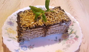 gâteau millefeuille de petits lus nappés de chocolat