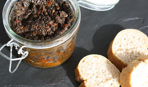 Tapenade d'olives noires et tomates séchées