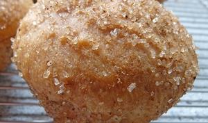 Petites brioches au sucre et aux épices