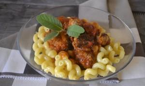 Boulette sauce tomate bio et pâtes
