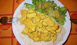 Emincé de poulet au curry et riz