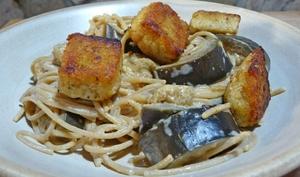 Pâtes aubergine-tempeh