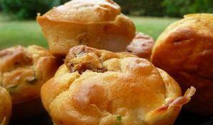 Muffins aux Tomates Confites, Féta et Basilic