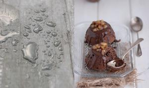 Dômes fondants au chocolat et éclats de marrons