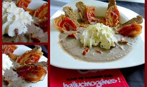 Velouté de champignons, chantilly de brocciu, chips de pancetta et pain à la farine de châtaigne