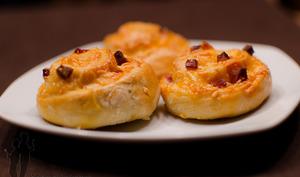 Petits pains au chorizo et à l'emmental