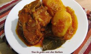 Curry d'agneau et de pommes de terre à la mode de Delhi
