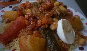 Le Couscous à la viande et au raisins secs / sucré salé