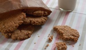 Oatmeal Cookies à la purée de noix de cajou, beurre de cacahuètes et éclats de cacahuètes