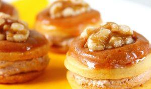 Biscuits aux noix et glaçage café