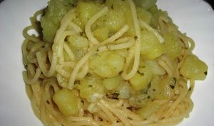 Petits spaghetti aux pommes de terre