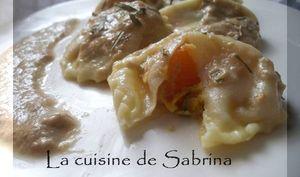 Raviolis à la courge et au roquefort, sauce champignons