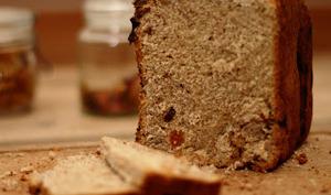 Pain complet sucré au son de blé et huile de noix, aux 1001 fruits secs