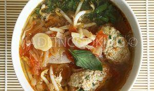 Bùn riêu, Soupe au crabe vietnamienne
