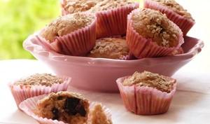 """Muffins """"lait ribot, flocons d'avoine et cerises"""""""