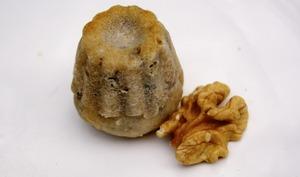Mini cannelés au Roquefort et aux noix