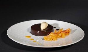 Le mousseux au chocolat noir, coulis de clémentines