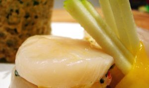 Coquilles St-Jacques, mangue et parmesan