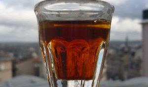 Cocktail Cynar, bière et citron