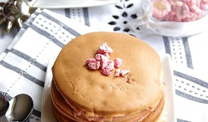 Pancakes aux pralines roses