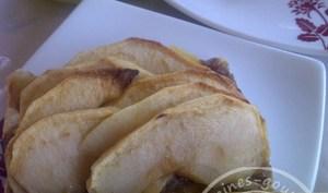 Tarte fine aux pommes sur compotée d'oignons