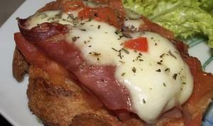 Bruschetta Tomate Jambon de Parme et Mozzarella
