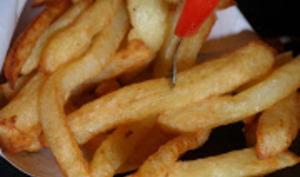Frites croustillantes maison inratables en 4 astuces