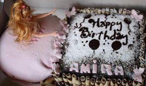 Gâteau d'anniversaire poupée