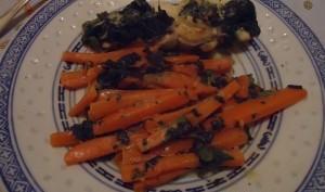 Roulés de poulet aux épinards, fromage frais et carottes