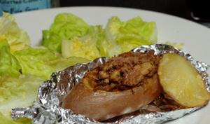 Pomme de terre farci de rillettes de canard au foie gras