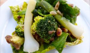 Salade composée avec de la baragane et des lentilles