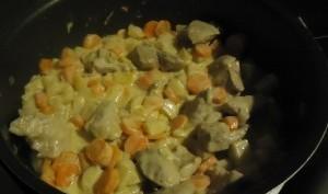 Sauté de porc aux carottes et pommes de terre