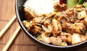 Wok de poulet aux échalotes et aux haricots noirs fermentés