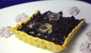 Tarte violette, canard et chantilly de myrtille