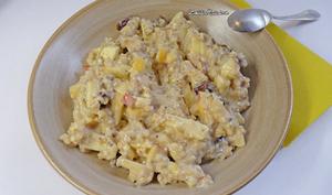 Porridge pommes, dattes, amandes et graines de chia
