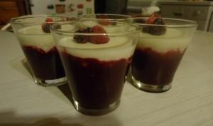 Verrines perles du japon, chocolat blanc et fruits rouges