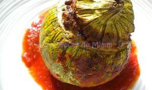 Courgettes rondes farcies à la viande, parmesan et pignons