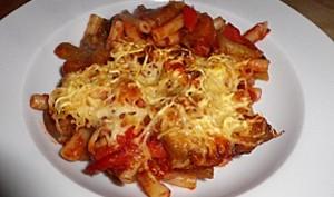 Gratin de pâtes au ketchup et légumes