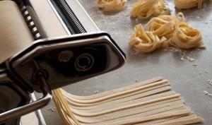 Faire ses pâtes fraiches maison, aux oeufs et à la semoule de blé dur
