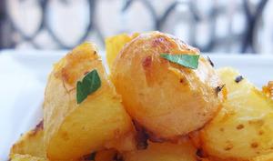 Pommes de terre nouvelles rôties à la moutarde douce