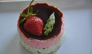Duo d'asperges et de fraises en bavarois