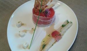 Bavarois d'asperges blanches et déclinaison de tomate