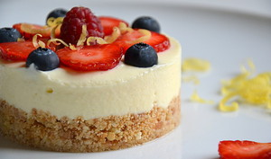 Cheesecake au citron, à la bergamote & aux fruits rouges