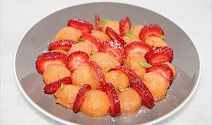 Salade de melon et fraises à la vanille
