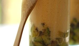Espuma de soupe de poissons et courgettes aillée