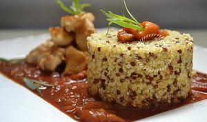 Quinoa et boulgour au poulet basquaise