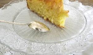 Gâteau moelleux au citron et à la pomme