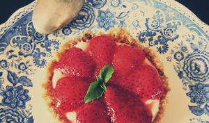 Tartelettes fraises, basilic et mousse de chèvre